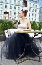 Bustier ivoire drapé et décorations satin noir, jupe tulle et taffetas noir